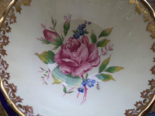 桃红色部分为贴花,其他为手工着色